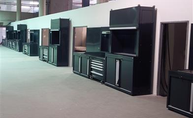 Arredamento officine bmw for Arredamento officina meccanica